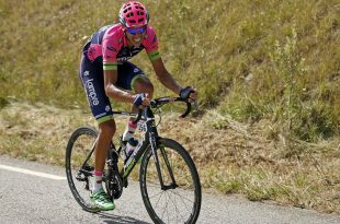 Lampre-Merida rider Ruben Plaza Molina of Spain rides during the 201-km (124 miles) 16th stage of the 102nd Tour de France cycling race from Bourg-de-Peage to Gap, France, July 20, 2015.   REUTERS/Benoit Tessier