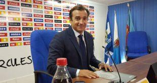 Carlos Parodi en la sala de prensa