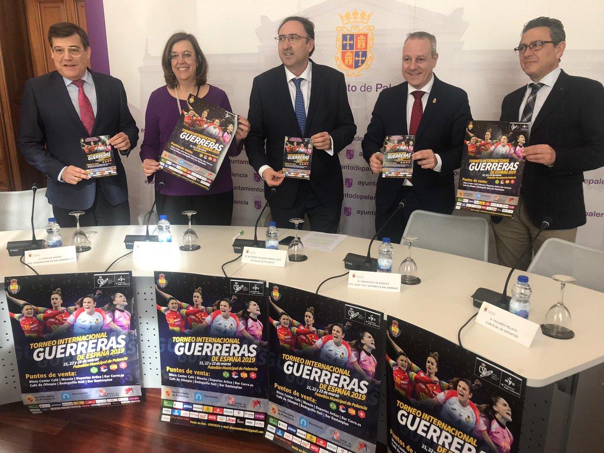 Cartel Guerreras Balonmano Ayuntamiento Palencia