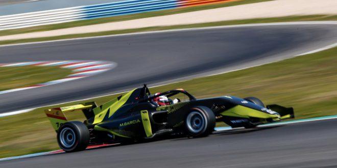 Marta García tests Lausitzring