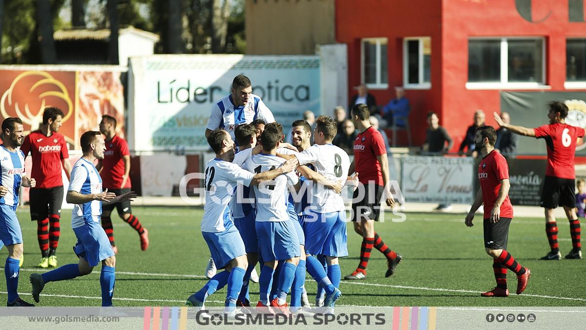Recambios Colón celebración gol ante Utiel
