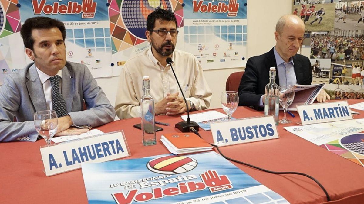 Autoridades presentación Nacional Alevín Voleibol 2019