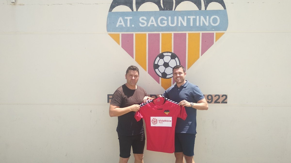 Beni entrenador Saguntino