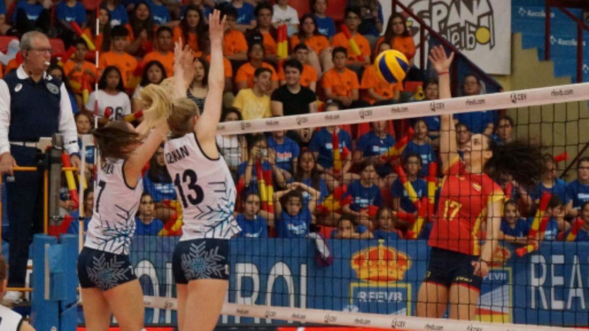 La selección femenina contra Finlandia