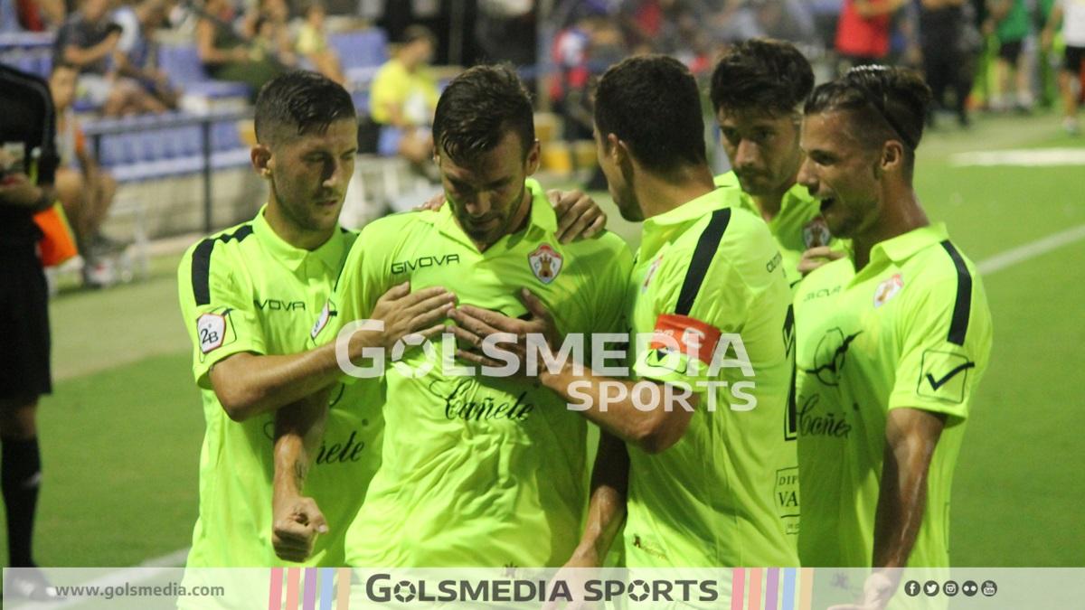 Ontinyent CF escudo jugadores