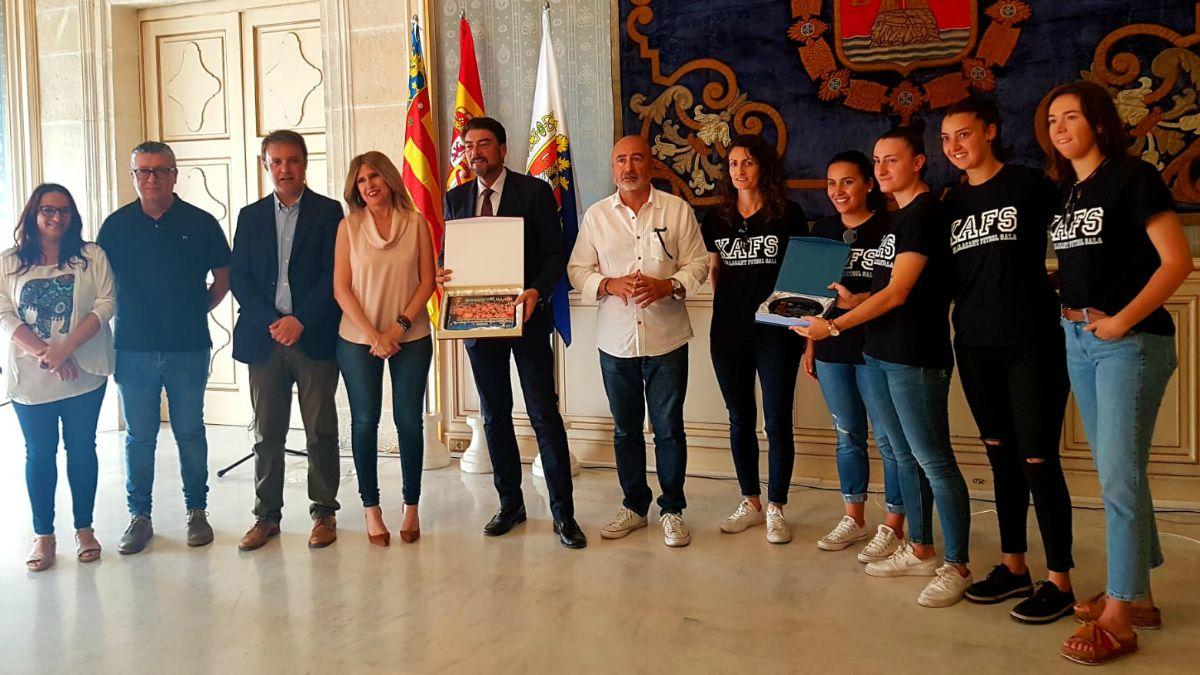 Recepción Ayuntamiento Alicante al Xaloc