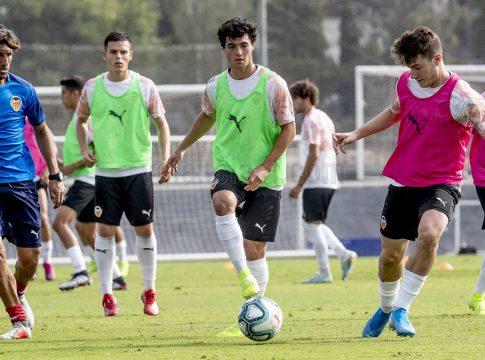 Angulo juvenil A Valencia CF