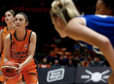 Lorena-Segura-en-el-Valencia-Basket-Baxi-Ferrol