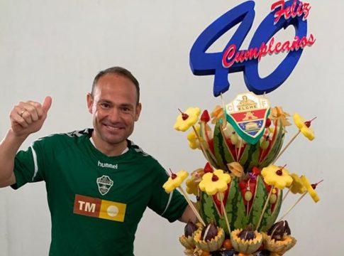 Nino celebra 40 años elche cf