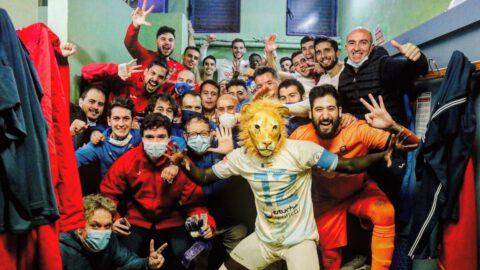 Alegría en el vestuario del CD Illescas tras vencer en Guadalajara. CD Illescas