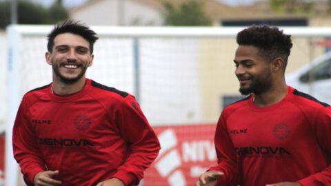 Imagen de los jugadores del Racing Murcia. Foto: @racingmurciacf