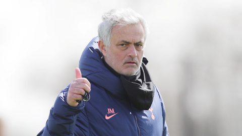 Mourinho, opción para el banquillo del Valencia