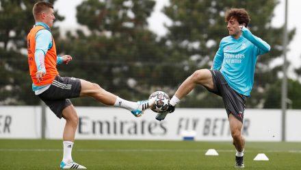 Toni Kroos y Álvaro Odriozola entrenamiento