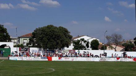 Afición Campanario estadio AD Llerenense