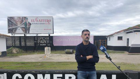 Clemente Sánchez, entrenador del CD Lealtad