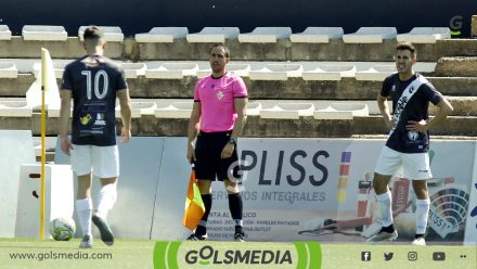 Córner SC Requena contra Atlético Benimar