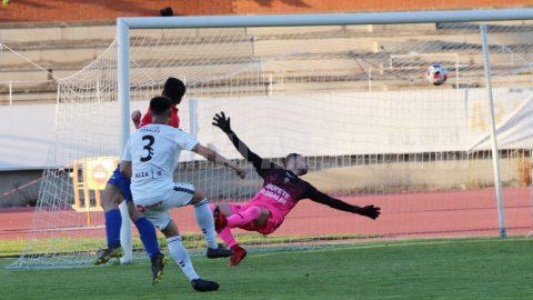 Juan Durán disparo gol contra Real Aranjuez