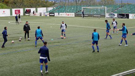 Jugadores CD Covadonga entrenamiento Luis Ramos