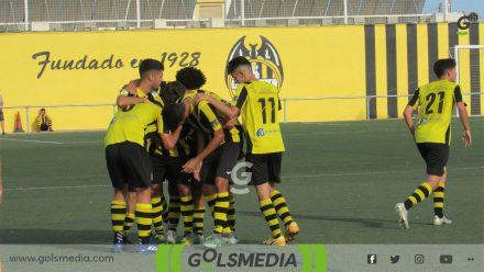 Los jugadores del Paterna celebrando gol