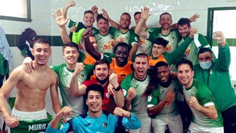Celebración jugadores CP Valdivia