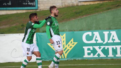 Raúl Espinosa celebrando gol