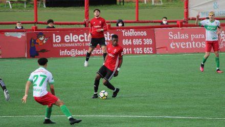 Keita controla balón Atlético de Pinto