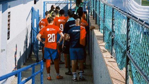 Jugadores Mazarrón FC campo Archena Sport