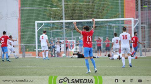 Jugadores CD Contestano celebran gol