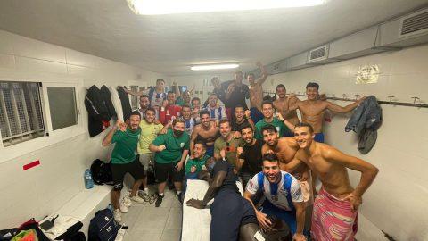 Celebración victoria Crevillente contra Betis