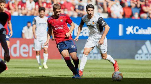 Marco Brasanac pasa el balón