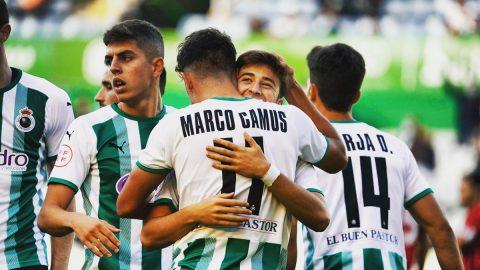Marco Camús celebra un gol