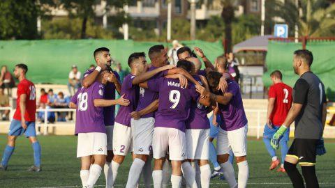 Los jugadores del Torrellano celebran el primer gol